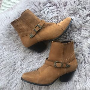 Dingo Tan Suede Leather Ankle Boots/Booties 7